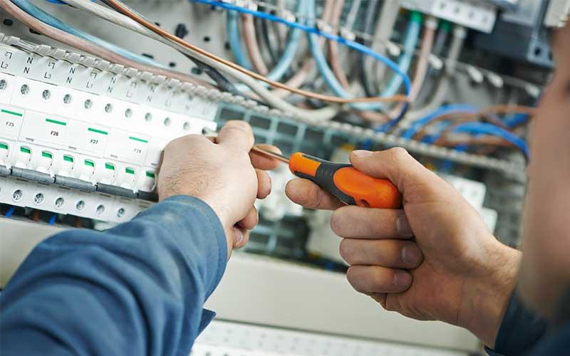 Wykonanie Instalacji Elektrycznych, Instalacje elektryczne i teletechniczne wewnętrzne, Sieci i urządzenia elektroenergetyczne,Odnawialne źródła energii, wykonanie instalacji elektrycznej